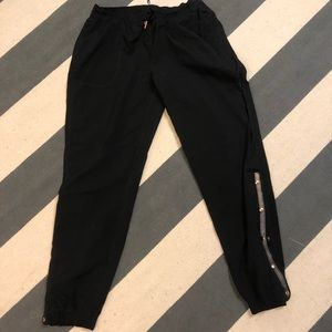 Lululemon side snap pants